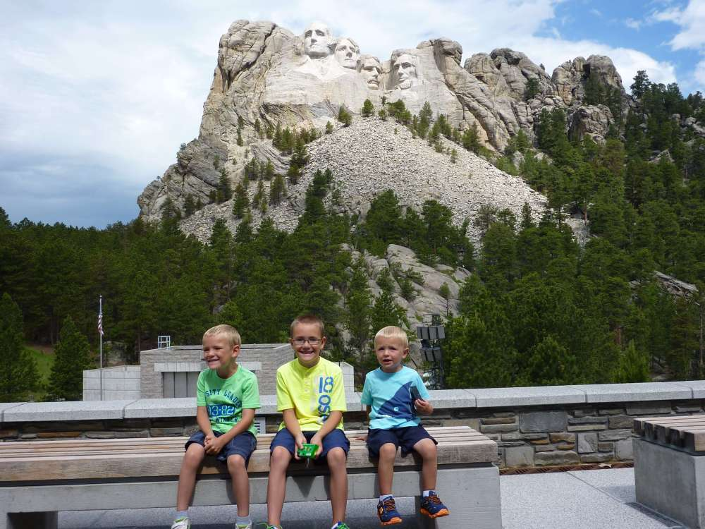 The Best Things to Do in the Black Hills with your Family featured by top US family travel blog, Travel with a Plan: image of Mount Rushmore