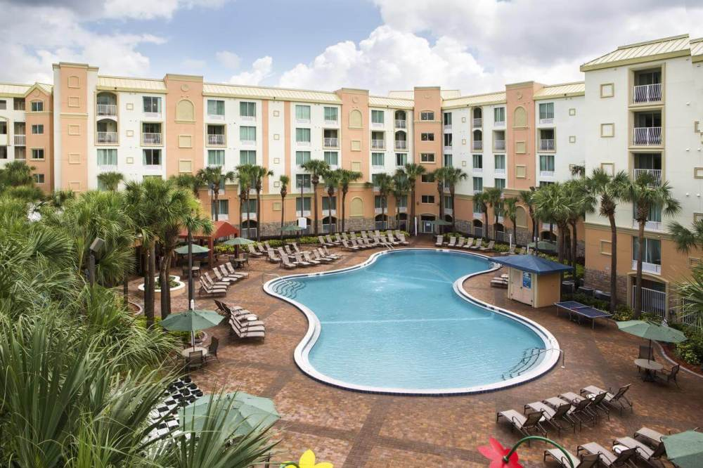 Orlando Itinerary: Off Site Disney hotel pool