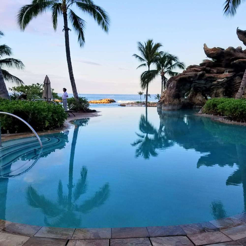 Top US travel blog Travel With A Plan discusses the best things to do at Disney Aulani's resort!