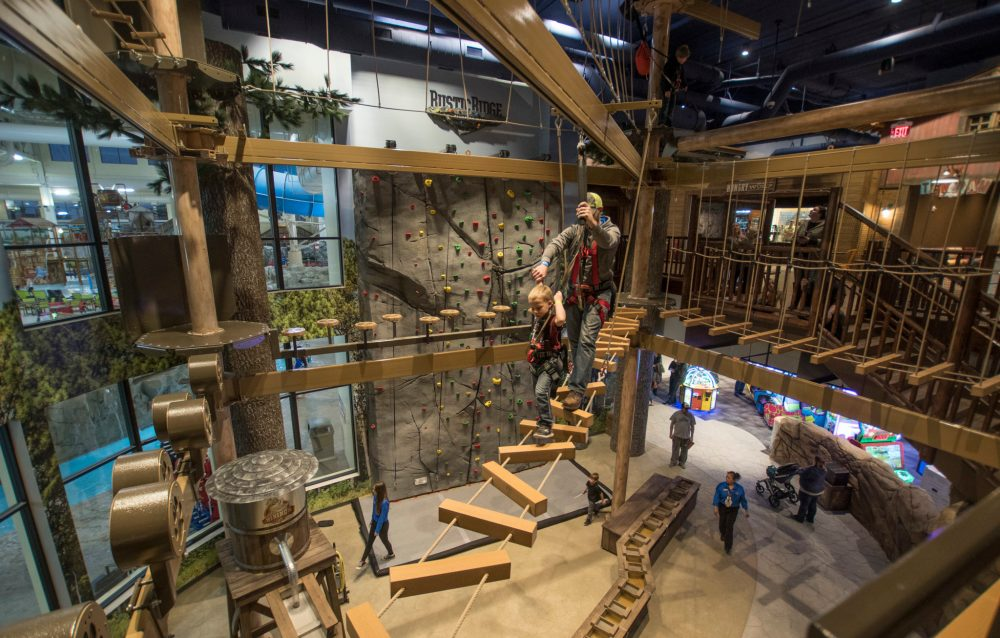 Ropes Course: Top U.S. family travel blog features their howlin' review of Great Wolf Lodge Bloomington MN!