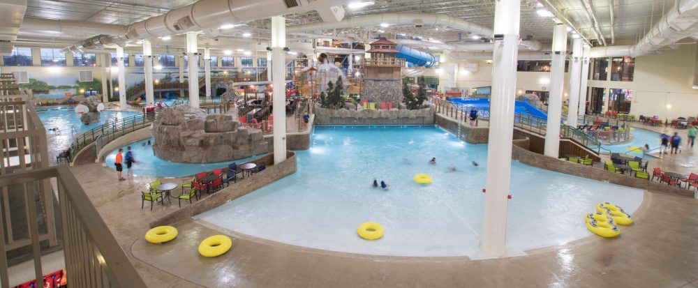 Wave pool: Top U.S. family travel blog features their howlin' review of Great Wolf Lodge, Bloomington, MN!