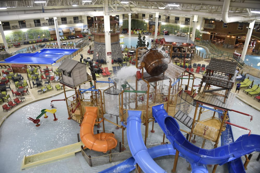 Kids' water park area: Top U.S. family travel blog features their howlin' review of Great Wolf Lodge Bloomington MN!