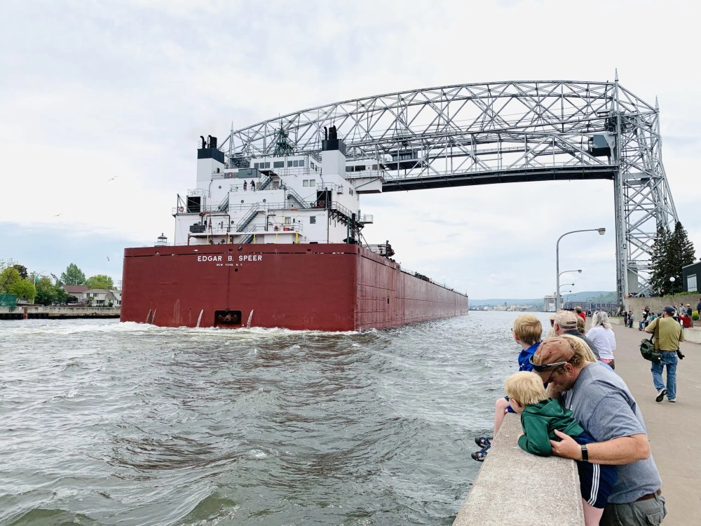Duluth, MN is a place that we visit year-after-year with our kids!  Get out Duluth family vacation 2-day itinerary as well as find out the best things to do in Duluth with kids!  Our Duluth travel itinerary is sure to make lasting family memories!  #duluthtravelitinerary #Duluthweekendgetaway #weekendinDuluth #Duluthfamilyvacation #bestthingstodoinDuluth #thingstodoinDuluthwithkids