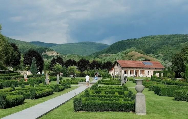 I Giardini di Zoe, Mica Italia din Banpotoc, obiective turistice Hunedoara