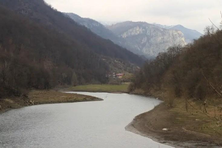 Munții Cernei