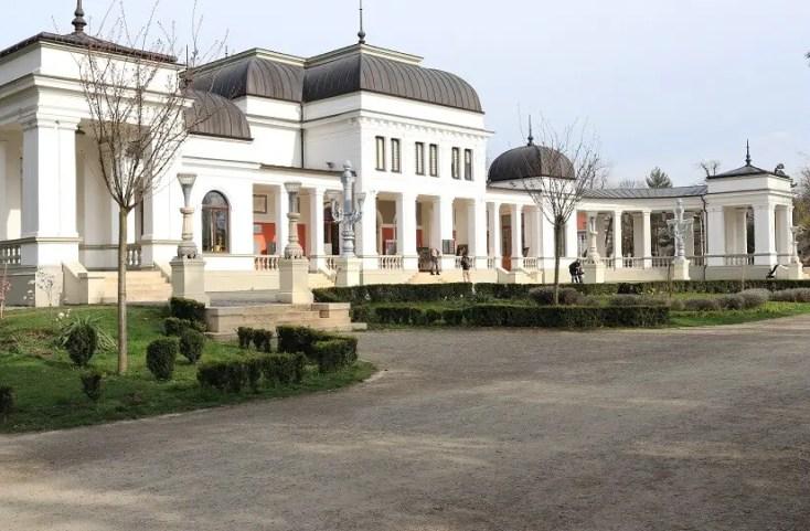 Parcul Central Simion Barnutiu - Cazino - obiective turistice din Cluj-Napoca