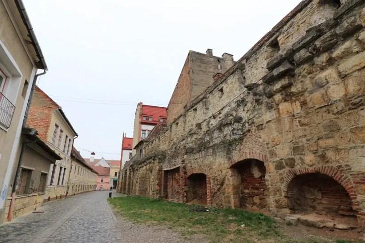 Zidurile cetatii Napoca de pe strada Potaissa