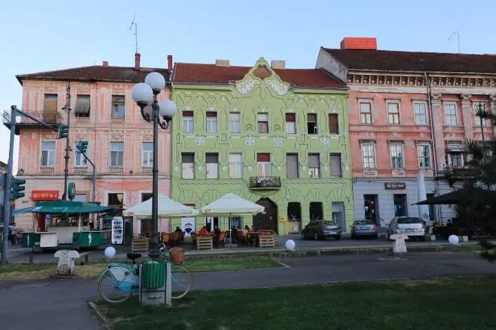 Piata Avram Iancu, obiective turistice Arad