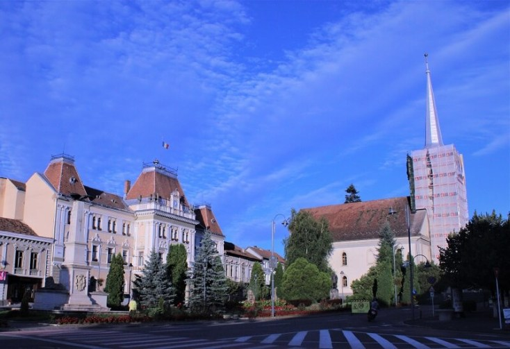 Piata Primariei - obiective turistice Odorheiu Secuiesc