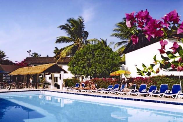 Bungalow Beach Hotel in Kotu
