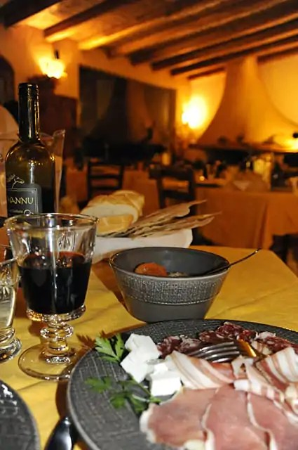 A traditional Sardinian feast at Agritourismo Tenuta Pilastru