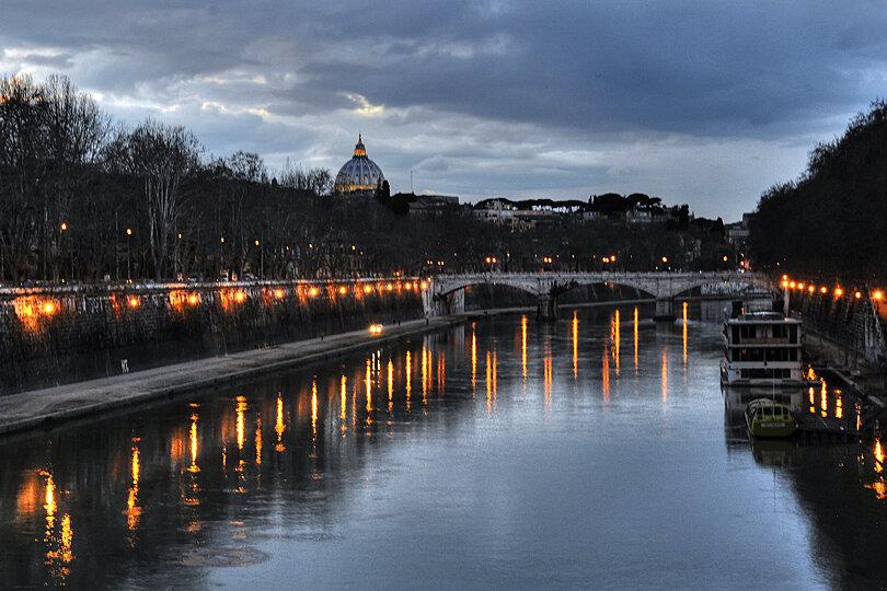 River Tiber, Rome at dusk