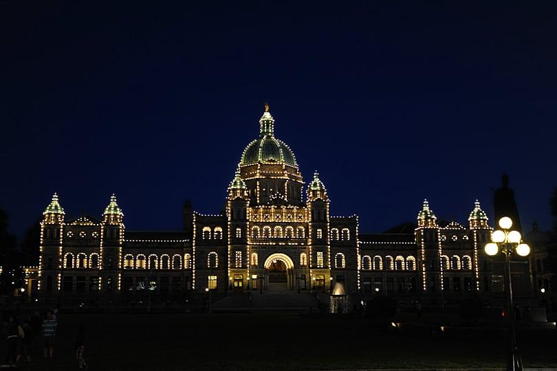 British Columbia Parliament by night, Victoria, British Columbia