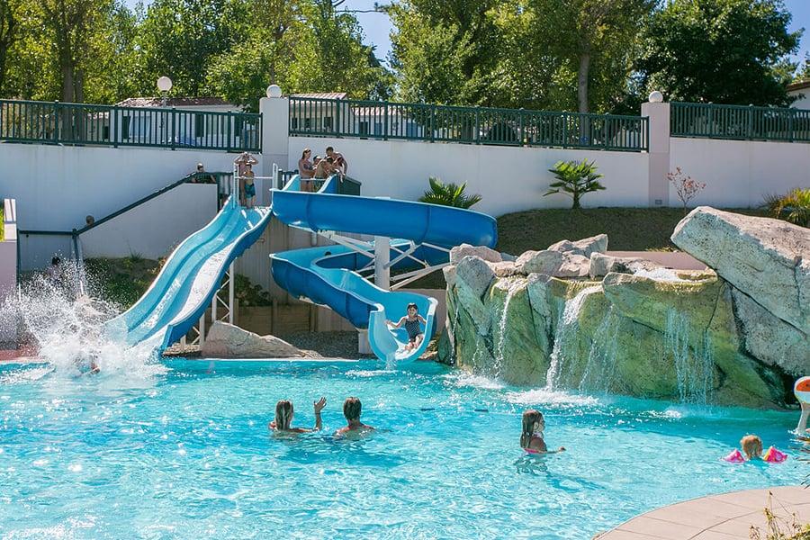The outdoor pool at Yelloh! Village Ilbarritz