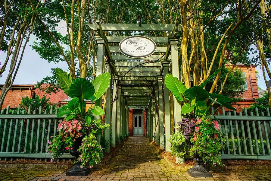 Where and what to eat in Charleston, South Carolina