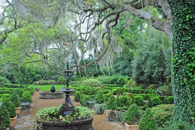 Places to visit in South Carolina | Ornamental garden in Beaufort, South Carolina