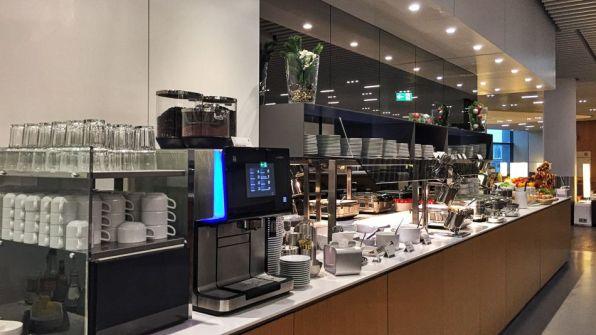 Lufthansa Senator Lounge Frankfurt A Plus Buffet
