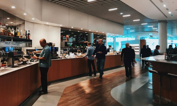 Review Lufthansa Senator Lounge Frankfurt Z Rezeption Buffet