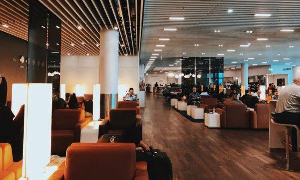 Review Lufthansa Senator Lounge Frankfurt Z Blick nach vorne