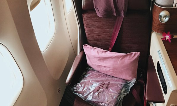Review Thai Business Class 777 Kissen und Decke
