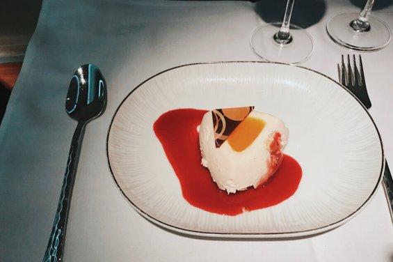 Review Thai Business Class 777 Phuket- Frankfurt Dessert Dinner
