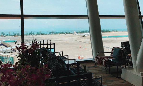 Thai Royal Orchid Lounge Phuket (Temporary) Thai Sessel Fenster
