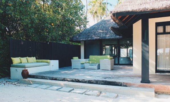 Review JA Manafaru Maldives 1 Bedroom Beach Suite Villa Aussenbereich