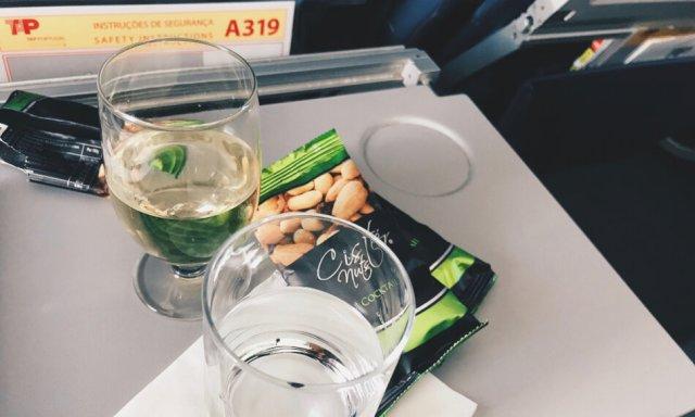 TAP Business Class Frankfurt - Lissabon Nüsse