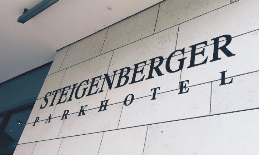Review Steigenberger Parkhotel Braunschweig Schild