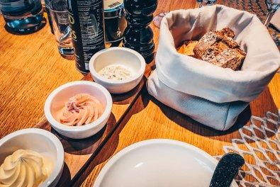 Review Lindner Hotel Wiesensee Steakhouse mooq Brot