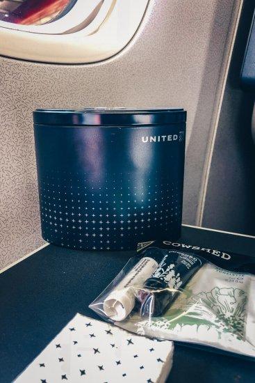 Review United Polaris Business Class Boeing 767 Amenitiy Kit