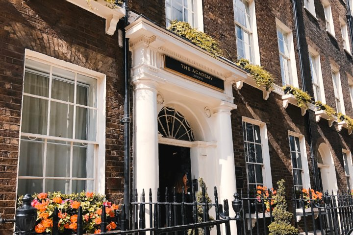 review: the academy london hotel - travelwithmassi