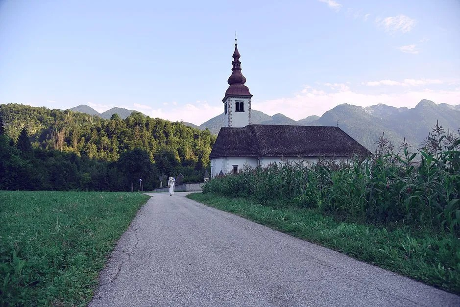 4 tips to travel the world with a full time job, Bohinj
