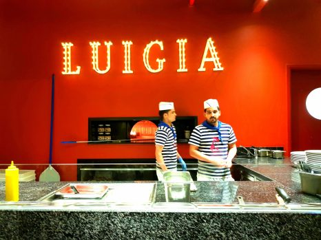 Live Cooking Area and Bar in Luigia