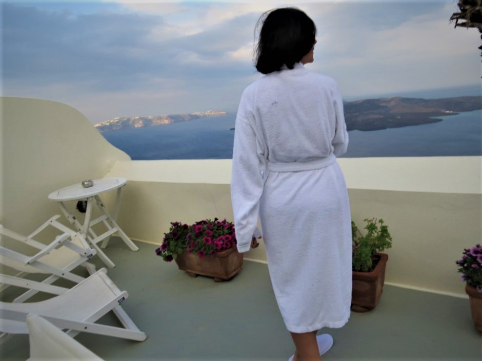 Best Santorini Hotels