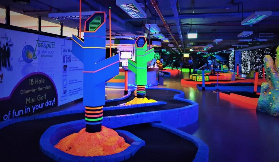 Review of Tee And Putt Indoor Mini Golf, Dubai – Glow in Dark