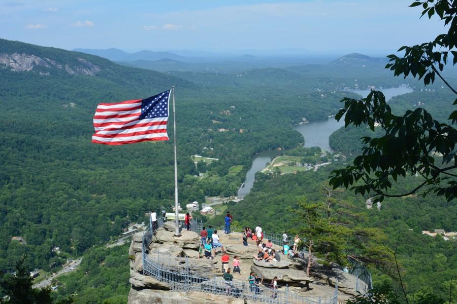 Chimney Rock - LE CORONAVIRUS CONTAMINE LE TOURISME AUX USA