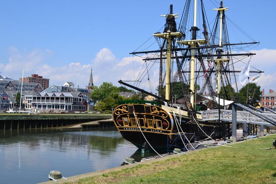 Sur le port de Salem