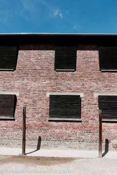 處刑場,窗戶都被刻意掩蓋