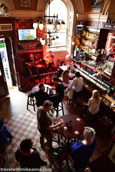 merchant's arch bar