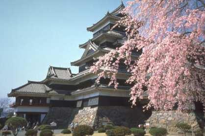 松本城。圖片來源:go-nagano.net