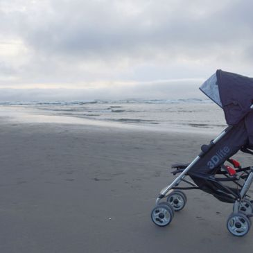 How to Pick an All-Around Awesome Travel Stroller