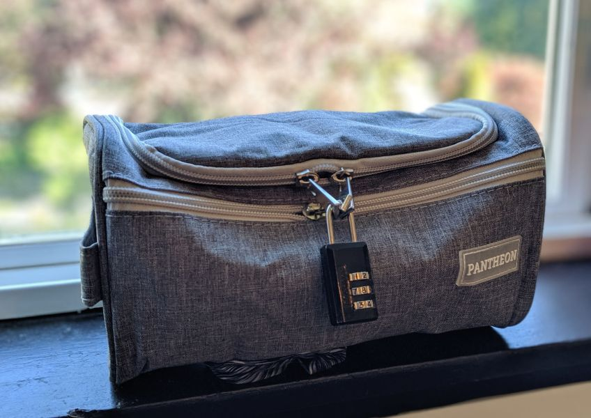 lockable toiletry bag
