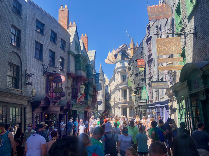 Wizarding World of Harry Pottery Diagon Alley