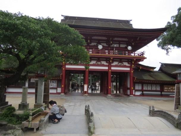 מקדש השינטו טנמן גו בדזאיפו