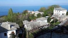 בעיירה טסגרדה, יוון