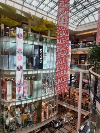קניות בפראג - קניון פלאדיום