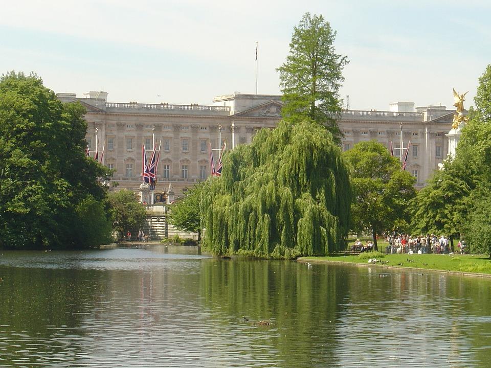 buckingham-palace-76007_960_720