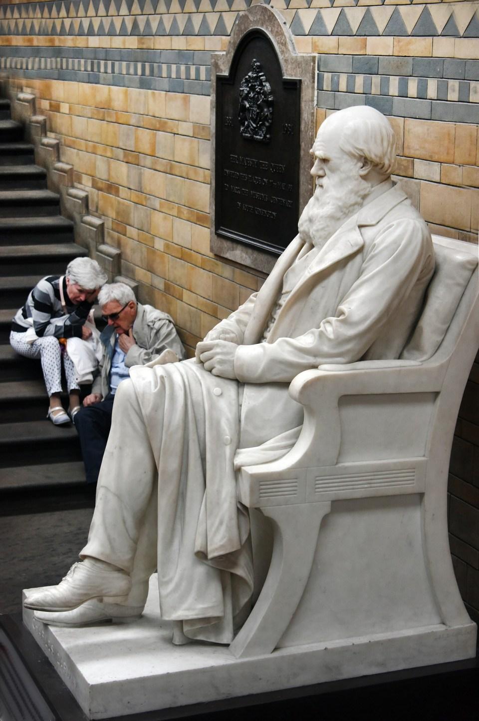 statue-944498_1920