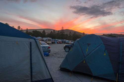 Tents very close to each other at Rapid Bay Campground #busycamp #rapidbay #southaustralia #busycampground #popularcamping